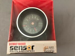 Stewart Warner Sensor Tach 10 000 Rpm Tachometer 82609 New In Box