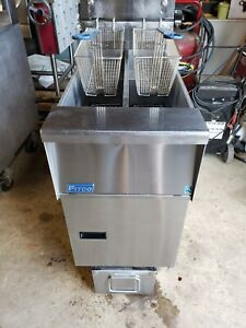 Pitco Sfsg14t twin Propane Fryer With Built In Filter