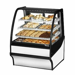 True Tdm dc 36 ge ge s w 36 Non refrigerated Bakery Display Case