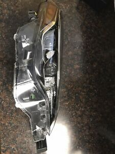 2018 Toyota Corolla Headlight Left Rh Driver Oem Reconditioned