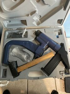 Central Pneumatic Contractor Series Stapler With Hammer And Case 90399