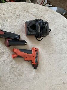 Snap On Ctst61clo Cordless Screwdriver Batteries And Charger