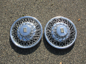 Factory 1979 To 1985 Oldsmobile Toronado 15 Inch Wire Spoke Hubcaps Wheel Covers