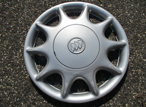 One Genuine 1997 To 2003 Buick Century Bolt On Hubcap Wheel Cover Silver 9594867