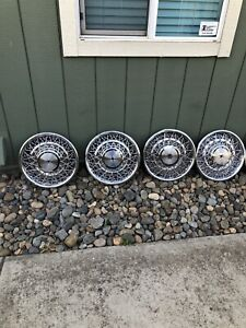 Oem 15 1975 1984 Cadillac Wire Spoke Hubcap Wheel Covers Without Center Crest
