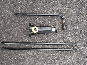 Jeep Grand Cherokee Wj 99 04 Tire Bottle Jack With Tool Kit