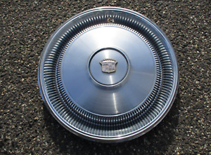 One Factory 1970 Cadillac Coupe Deville Sedan Deville Hubcap Wheel Cover