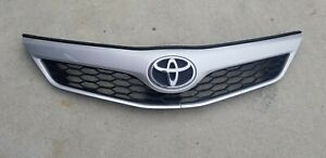 2012 2013 2014 Toyota Camry Se Grille Used With Scratches And Crack Genuine