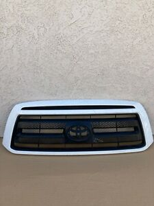 2010 2011 2012 2013 Toyota Tundra Front White Upper Grill Grille 53111 0c180 Oem