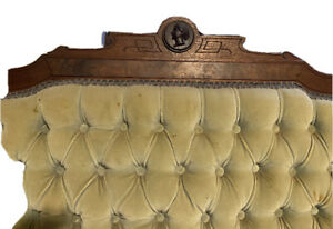 1900 Century Antiquie Victorian East Lake Couch