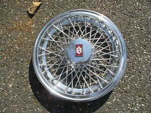 One 1980 To 1989 Olds Custom Cruiser 88 Wire Spoke Hubcap Wheel Cover Red Nice