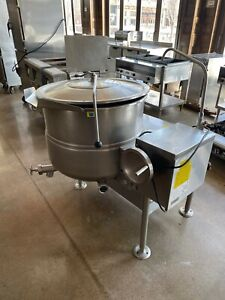 Cleveland Kdl40t 40 Gallon Stainless Steel Tilting Direct Steam Kettle Silver