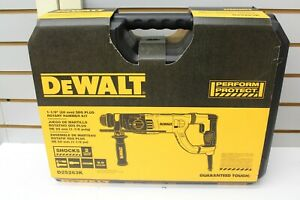Dewalt Corded 1 1 8 Sds plus Rotary Hammer Kit D25263k New Free Shipping