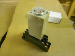 Centi Plug In Timer Relay Time Delay With Socket Base