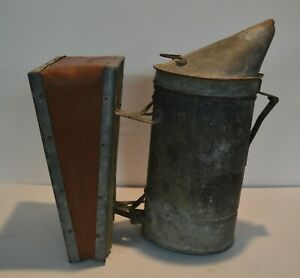 Vtg Beekeeper Smoker Bee Hive Keeping Primitive Tool Bellows Fogger