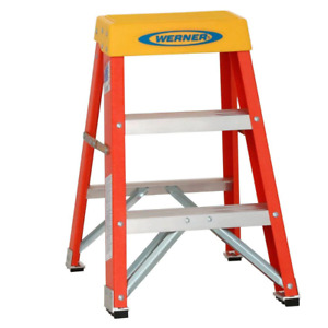 Fiberglass Step Ladder 2 Ft 300 Lb Load Capacity Painting Cleaning Job Site