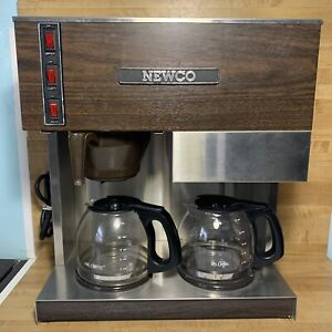 Newco Rd3 Commercial Coffee Maker Brewer Stainless Wood Grain With 2 Coffee Pots