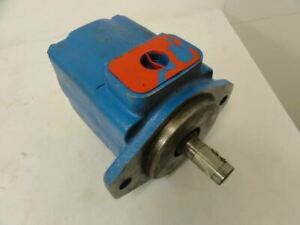 190891 Old stock Vickers 25v 17a 1a 21 Single Vane Pump Sae 4 bolt Inlet outle