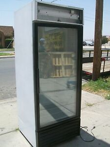 Glass Door Cooler Merchandiser True Gdm 26 3 Shelves 900 Items On E Bay
