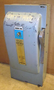 Siemens Ite 200 Amp Safety Switch Cat F354 600 Vac 3 Pole Fusible Disconnect
