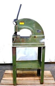 Di acro Houdaille Punch Press No 2 With Stand Oal 26 Oaw 14 3 4