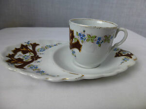 Antique Old Paris Porcelain Snack Cup And Extended Saucer