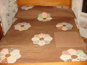 Antique Quilt Dresden Plate On Brown Hand Quilted Fancy Edge 90 X88
