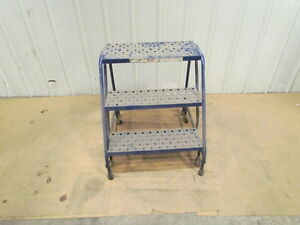 Louisville 3 Step Rolling Safety Ladder 24 wide 29 tall Warehouse