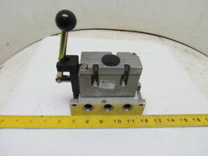 A04 5 2 Spring Return Sae Air Pneumatic Spool Valve W 6880 Aluminum Sub Base