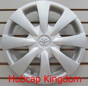 New 2009 2013 Toyota Corolla Hubcap Wheelcover Oem Silver Emblem 42621 02140