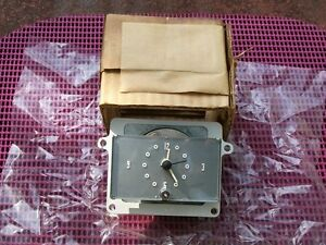 1957 57 Lincoln Nos Ford In Dash Clock Motochron D 608