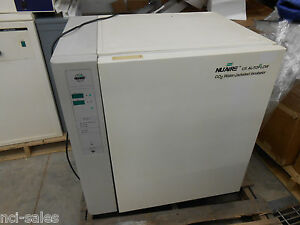 Nuaire Model Nu 4750 Co Water Jacketed Incubator 115v