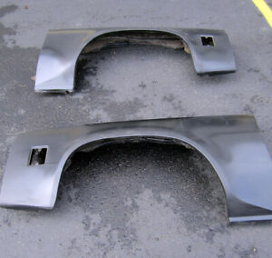 1973 77 Chevelle Malibu Pair Fenders New Gm Nos Old Stock 359901 359902
