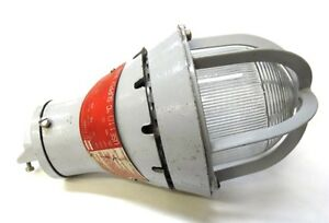 Crouse Hinds Explosion Proof Light Fixture Eva210 200 Watts 3 4 Npt