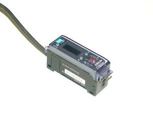 Keyence Fiber Optic Photoelectric Sensor 12 24 Vdc Model Fs v1p