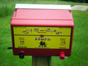 Cyclops Hero Solar Powered 15 Acre Electric Fence Charger Energizer Fencer