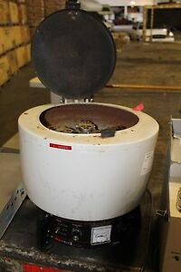 Damon iec Model Hn sii Laboratory Bench Top Centrifuge Hns ii With 958 Rotor