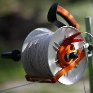 Gallagher Geared Electric Fence Kite Reel Free Handle Holds 1 3 Mile Polywire