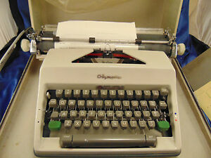 Vintage Olympia Portable Typewriter Sm9 With Case West Germany Home Office Works