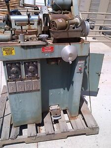 Strasbaugh R h Strasbaugh 7h Centering And Edging Machine