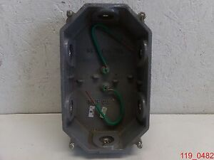 Hubbell Wiring Device Kellems 232a Floor Outlet Box Cast Iron Brass 36 5 Cu In