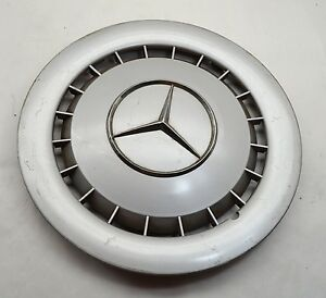 Mercedes Benz Plastic Hubcap Genuine Wheel Cover Silver Hub Cap W123 W126