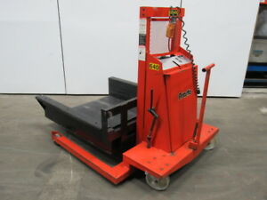 Lee Presto Wpz4836 25 2500 Lb Walk Behind Straddle Lift With 42 wx48 d Box 120v