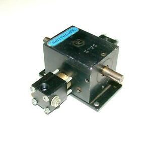 Rotomation 8239 Pneumatic Rotary Actuator 1 8 Npt 3 8 Shaft Diameter
