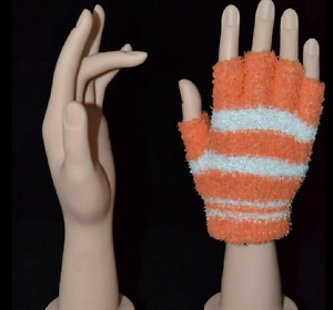 2 Pair Left Right Lifesize Dummy Arbitrarily Bent soft pose Mannequin Hand V