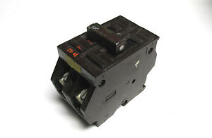 Wadsworth 100a Circuit Breaker 2p plastic Clips Chipped Yi 906a