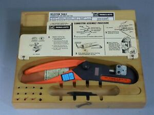 Thomas Betts Crimping Tool Wt640 With 6401 Die And Case