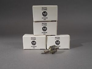Lot Of 5 Allen Bradley Ga2l040s502uc Wire Wound Resistor New