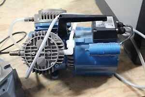 Working Knf Neuberger Un035 3 Ttp Laboratory Twin Head Vacuum Pump