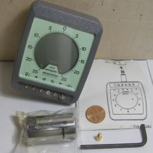 Federal Maxum Model 72120 Electronic Plug Gage W accessories See Pics
